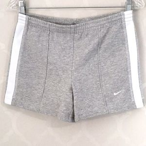 🆕NIKE GRAY FRONT SEAM ATHLETIC SHORTS